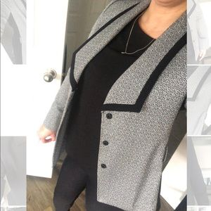 TAHARI Black and Gray Blazer Size 8